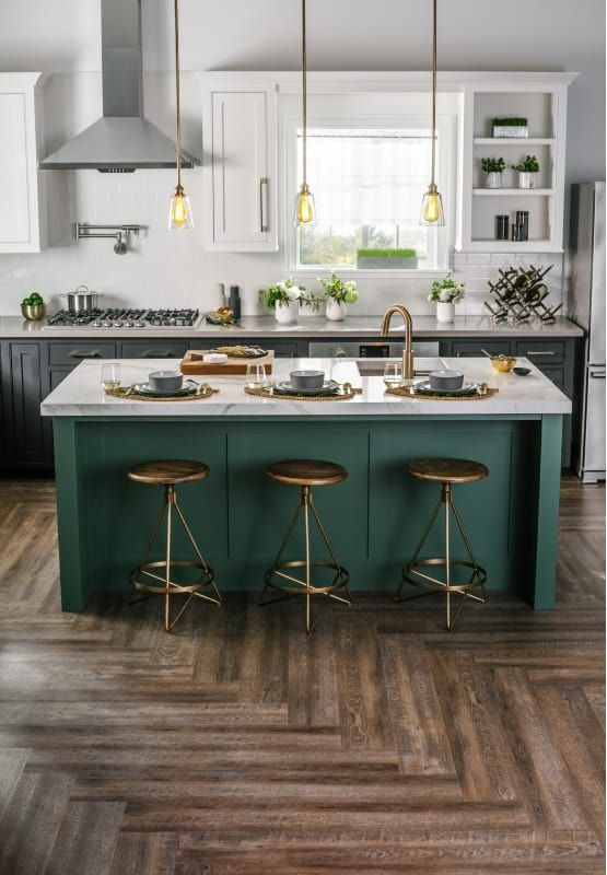 Kitchen Bar Idea 10 Metallic