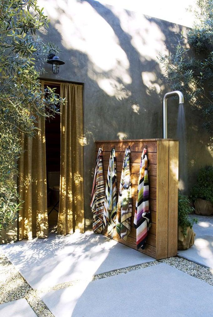 Cheap DIY Outdoor Solar Shower Ideas