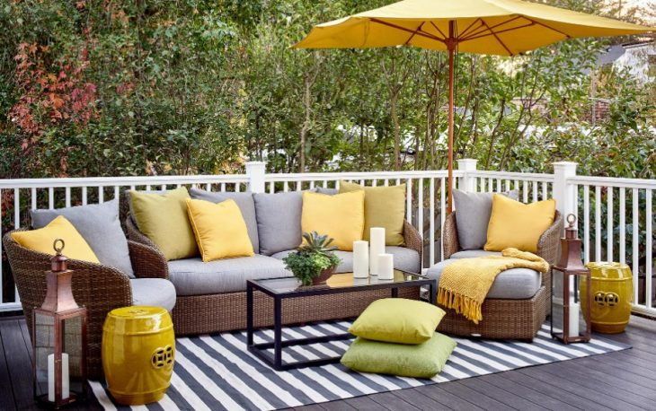 Keep Outdoor Furniture Cushion Covers Clean