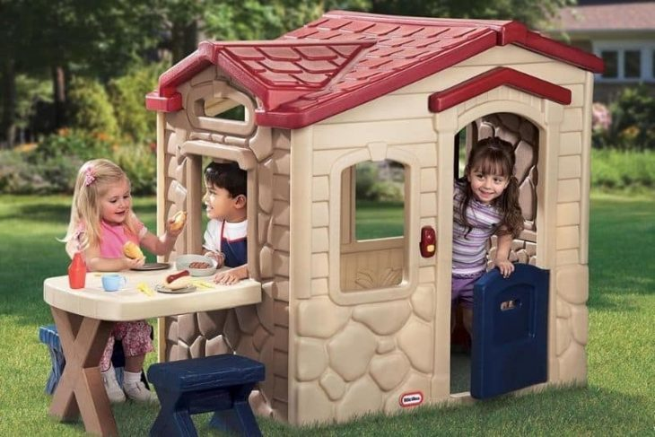 How to Make a Simple Playhouse Your Kids Will Love